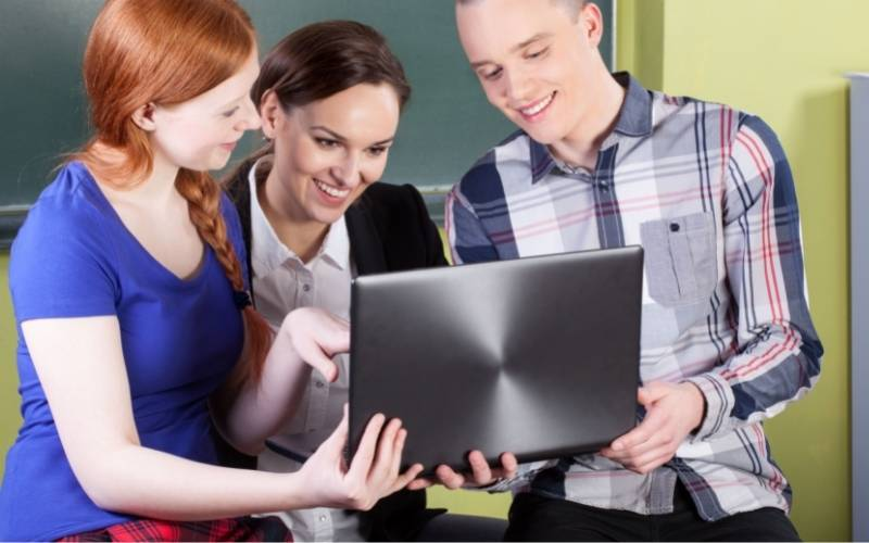 FAQs about Best Laptop For Online Teaching