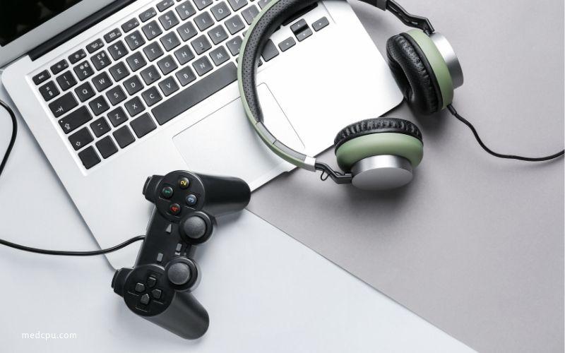 Gaming Desktops vs Gaming Laptops Customization