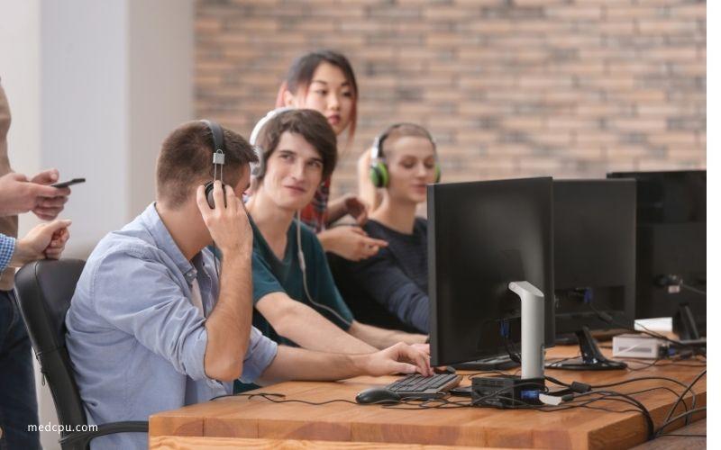 Gaming Desktop vs Gaming Laptop