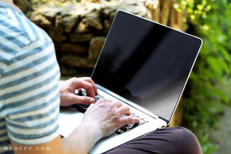 Matte Vs Glossy Laptop Screen FAQs (1)