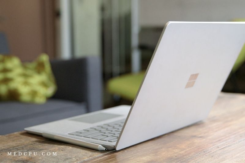 Surface Book 2 vs Surface LaptopDesign