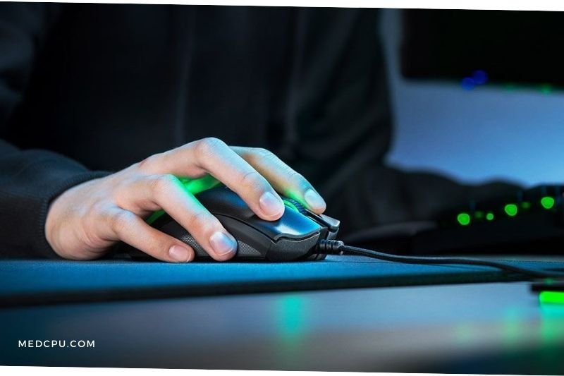Importance of Holding a Gaming Mouse Properly